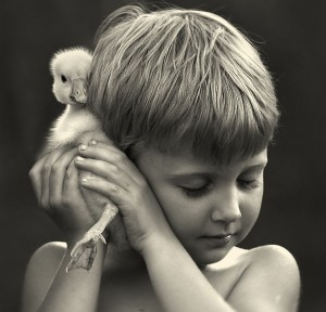 Elena Shumilova son with duck